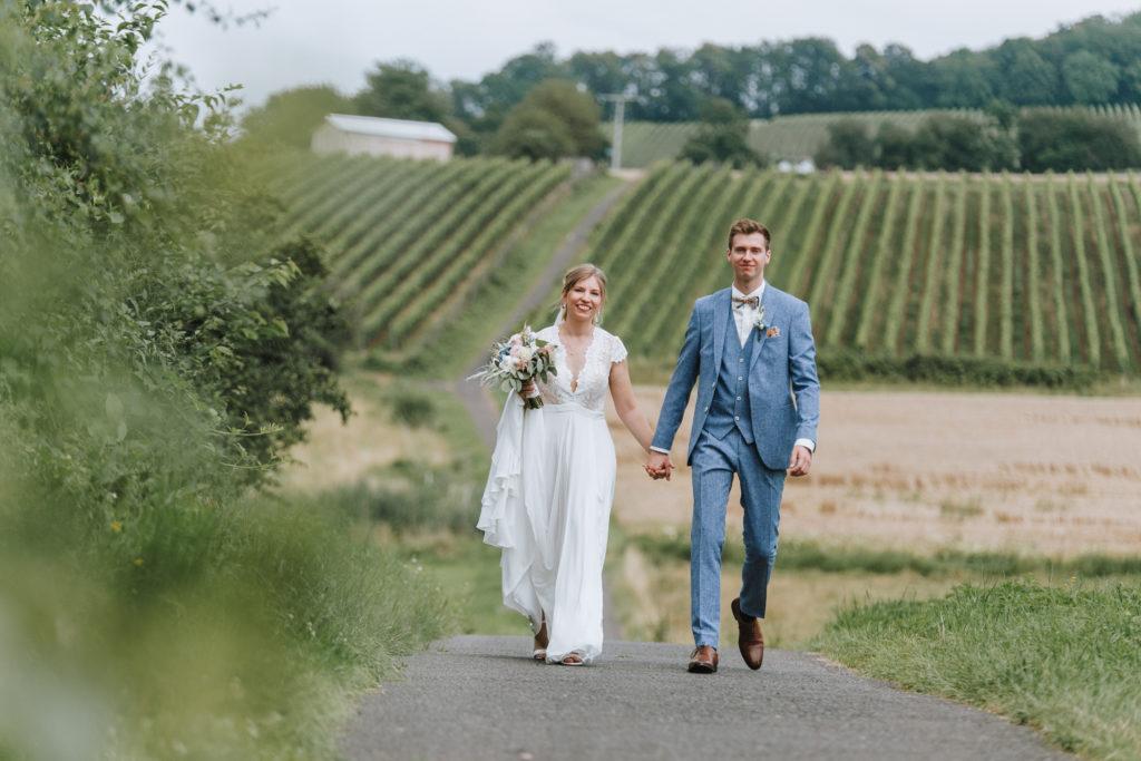 Hochzeitsbilder in Alzenau Wasserlos am Weinberg - first Look und kirchliche Hochzeit - Hochzeitsfotograf Aschaffenburg