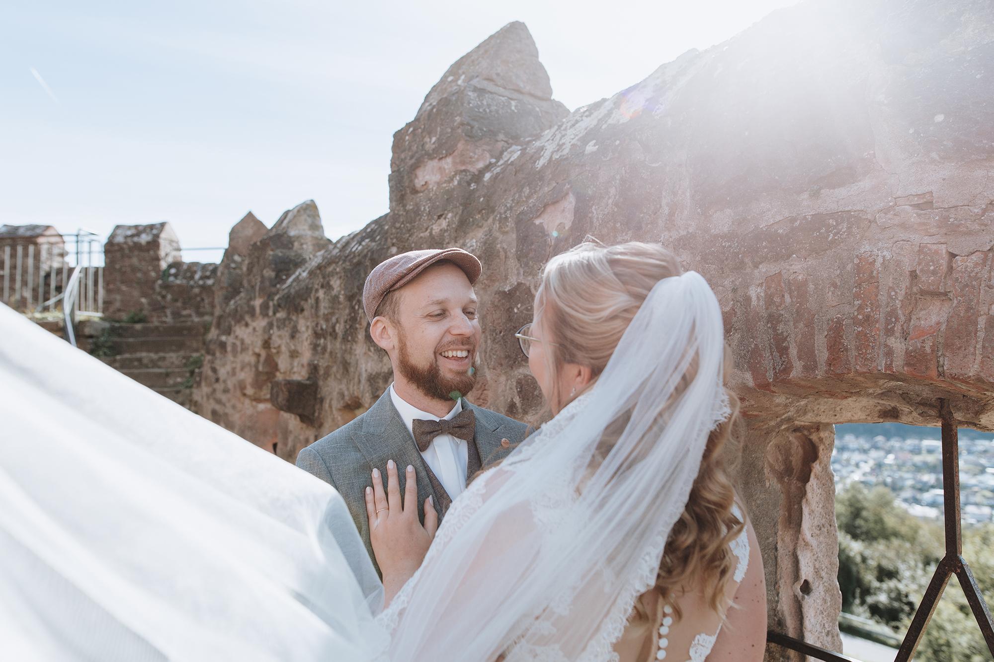 Pärchenbilder am Hochzeitstag - Paarshooting Hochzeitsfotograf